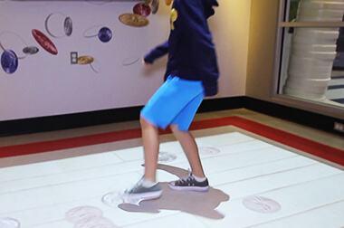 地面互动投影 - 儿童比赛 - 球类竞技 - 维莎道卡数字影像制作有限公司